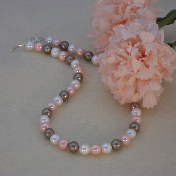 Mixture of Colors For Necklace Of Shell Pearls