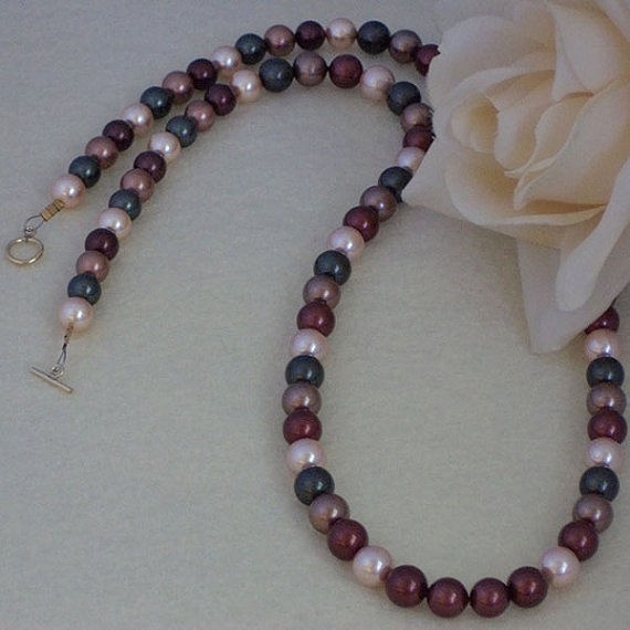 Mixture Of Light & Dark Colors For Shell Pearls