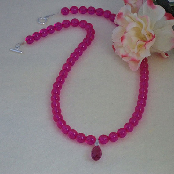 Fuchsia Glass Beaded Necklace With Pendant